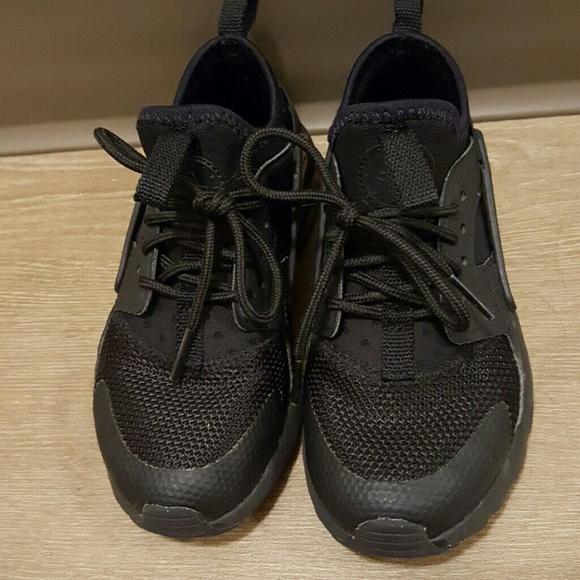 nike huarache shoes black